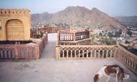 栄枯盛衰、かつてのマハラジャの城